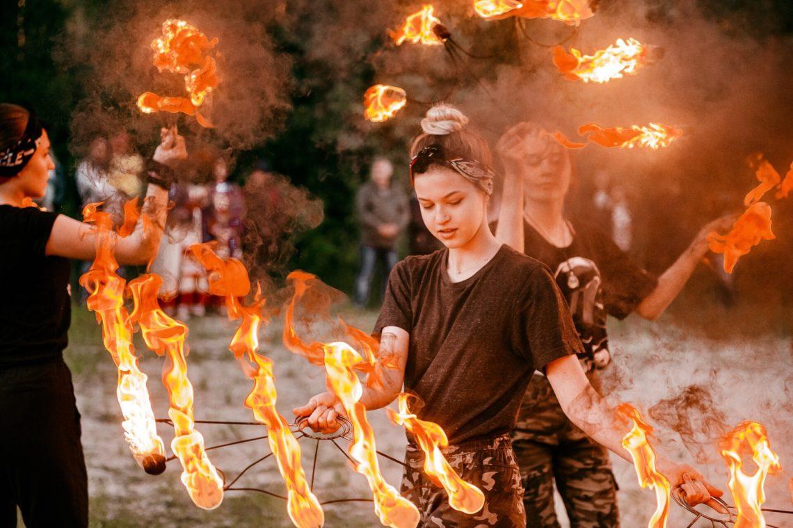 """Огненное шоу """"Embrace of Fire"""" г.Нефтеюганск"""